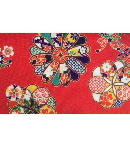 Flores sobre fondo rojo