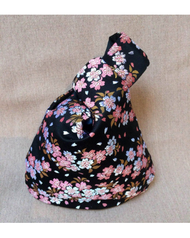 Japanese handbag in a brocade with sakuras