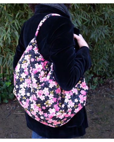 Japanese cotton handbag with sakuras over black