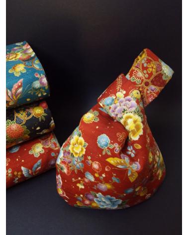 Bolso de mano japonés satin de algodón rojo mariposas y flores