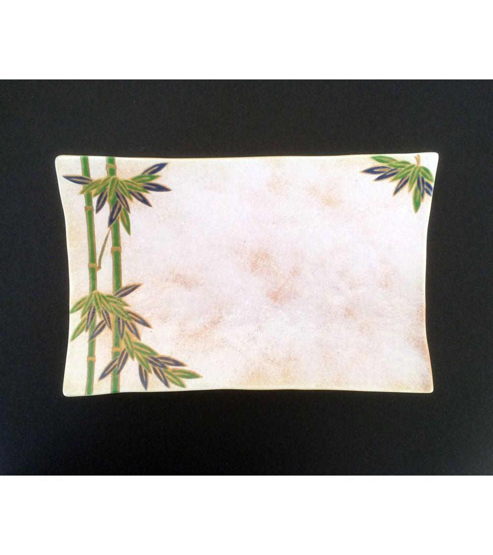 Bandeja de porcelana decorada con hojas de bambú