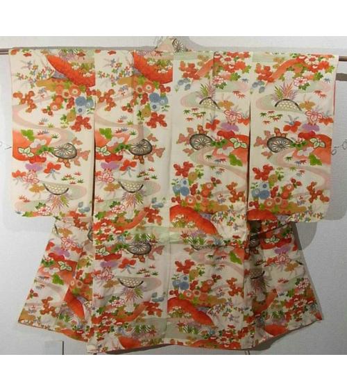 Kimono de niña en tonos anaranjados