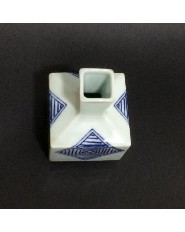 Pequeño jarrón de porcelana cuadrado con aire vintage