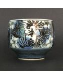 Cuenco para té con flores de cerezo en azul y negro