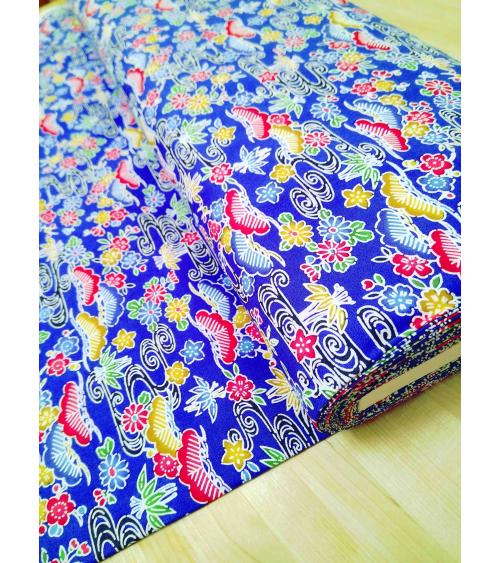 Tela japonesa. Bingata floral azul.