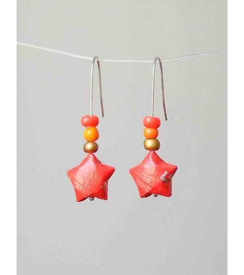 Pendientes estrellitas origami rojo coral en plata