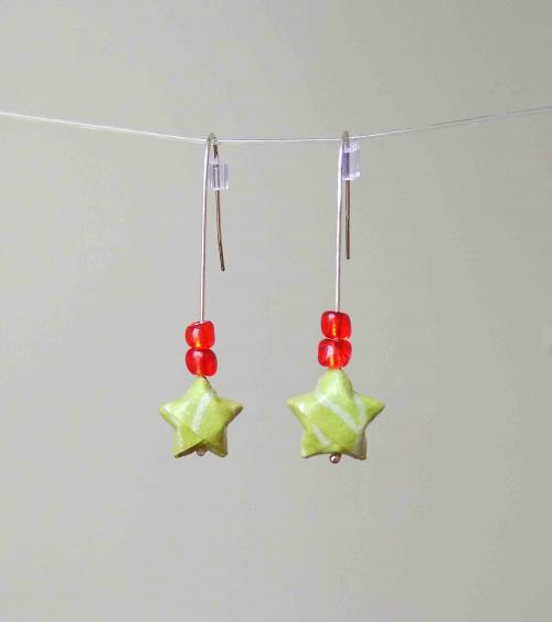 Pendientes estrellitas origami verde claro en plata