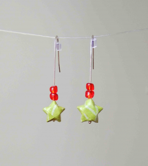 Soft green origami stars Earrings. Silver.