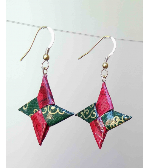 Red and green origami shuriken Earrings. Goldfilled.
