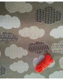 Tela japonesa. Nubes en gris.