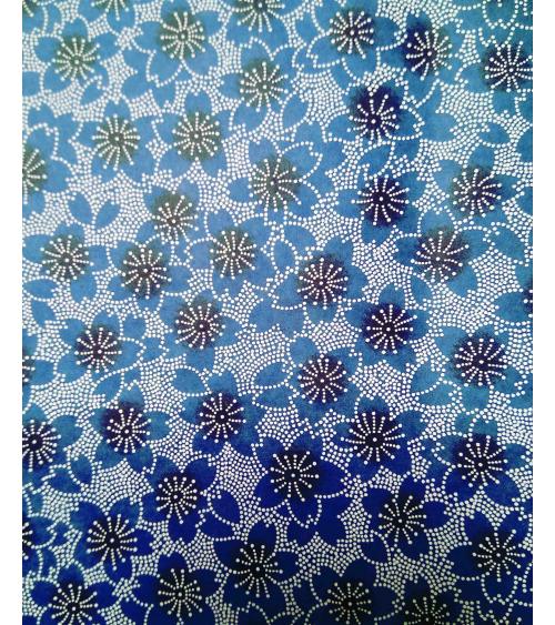 Chiyogami con sakuras azules dibujadas con puntitos