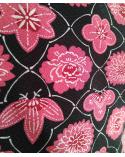 Haori vintage. Motivos vegetales en rosados sobre negro.