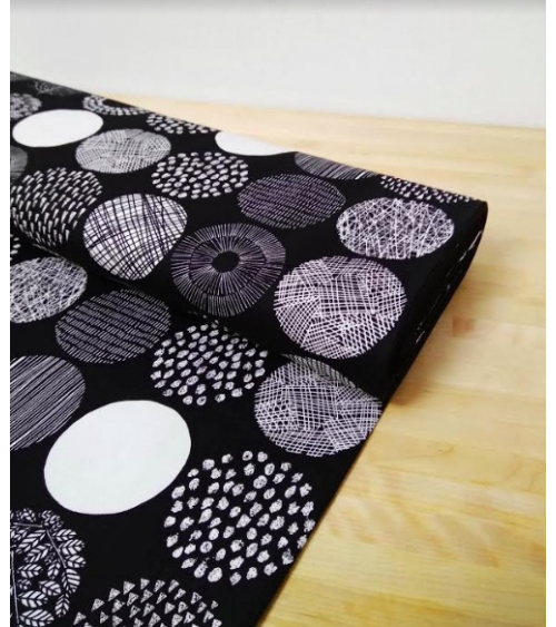 Light oxford Japanese fabric. Graphic circle pattern B&W