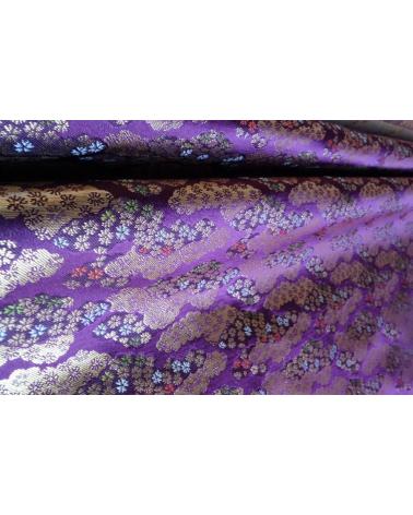 Brocado púrpura con nubes y flor de cerezo (kumo y sakura) (caída)