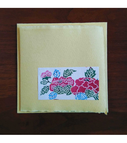 Tarjeta 15x15cm en papel artesano.