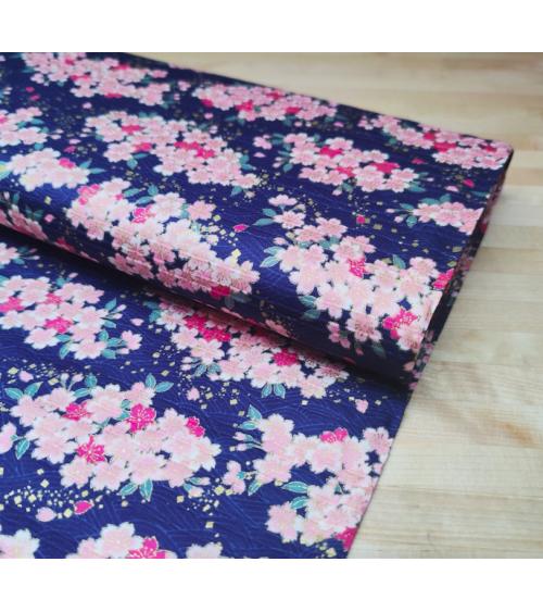 "Tela japonesa en Satin de algodón ""Sakuras"" azul."