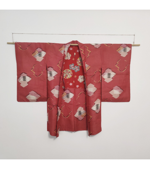 Meisen red vintage Haori inJapanese silk, with geometric Japanese pattern