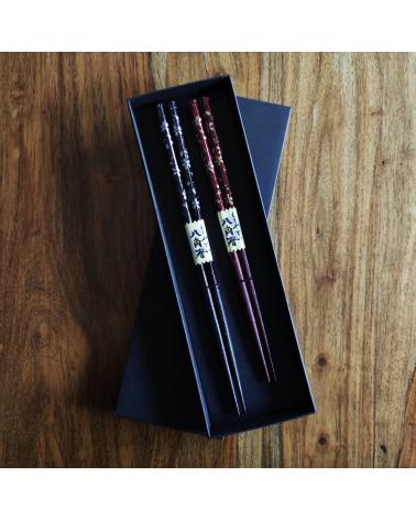 """Set de regalo Palillos """"Sakura en rojo y negro"""""""