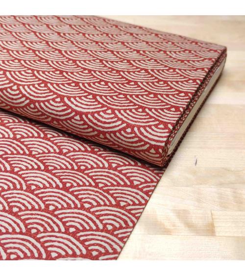 """Tela japonessa de algodón """"seigaiha"""" en rojo"""