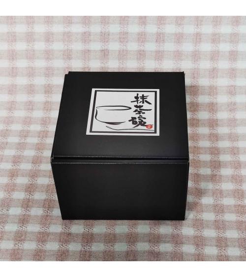 Cuenco japonés para té matcha blanco.