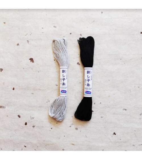 Hilo de sashiko (bordado japonés) 20m. Grises y negro.