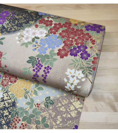 Tela japonesa de algodón glicinias en gris y beige.