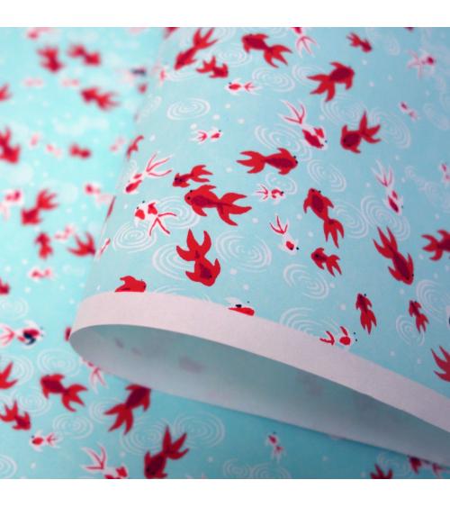 Papel japonés chiyogami carpas rojas sobre fondo verde azulado
