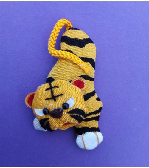Broche japonés tigre