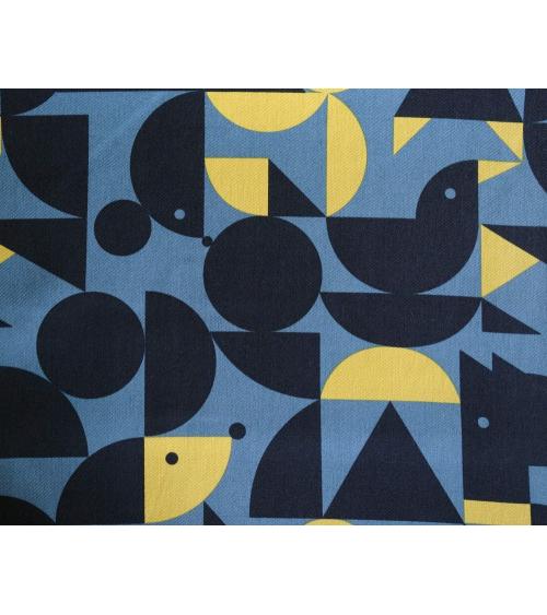 Tela japonesa. Geometría con animales ocultos en azul plomo y amarillo